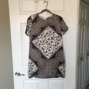 EUC VICI Pattern Dress